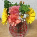 昨日買った花瓶にお花を